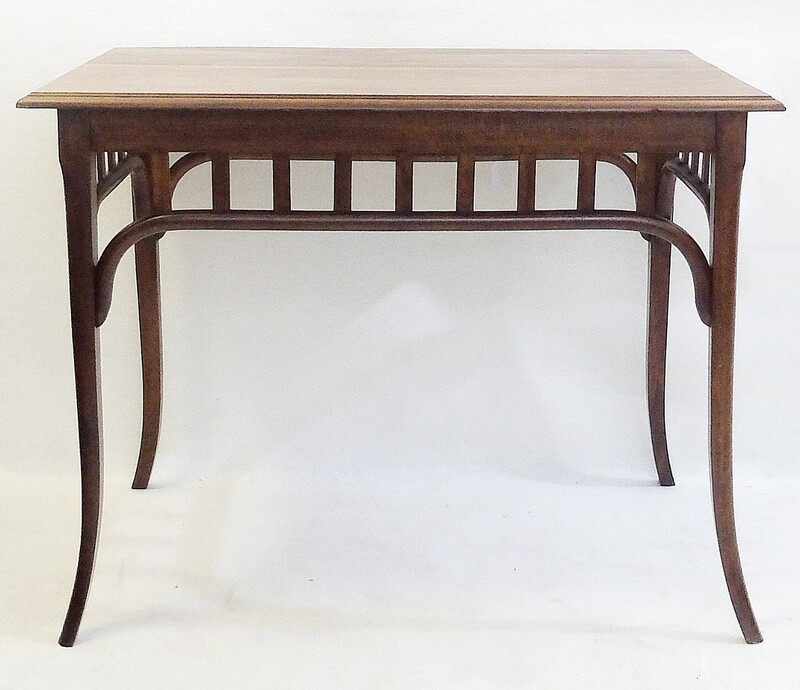Bentwood Thonet Table