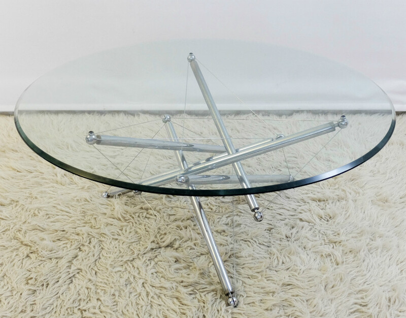 Cassina, 714 cofee table in glass and chrome by Theodore Waddell in 1973