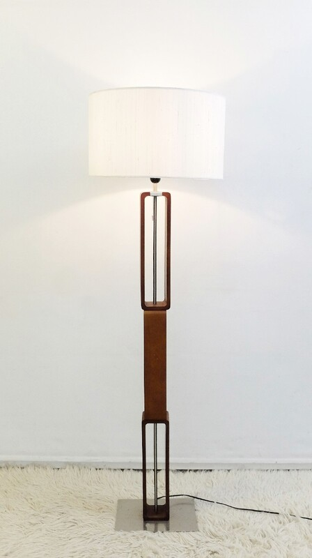 Chain Link Floor Lamp