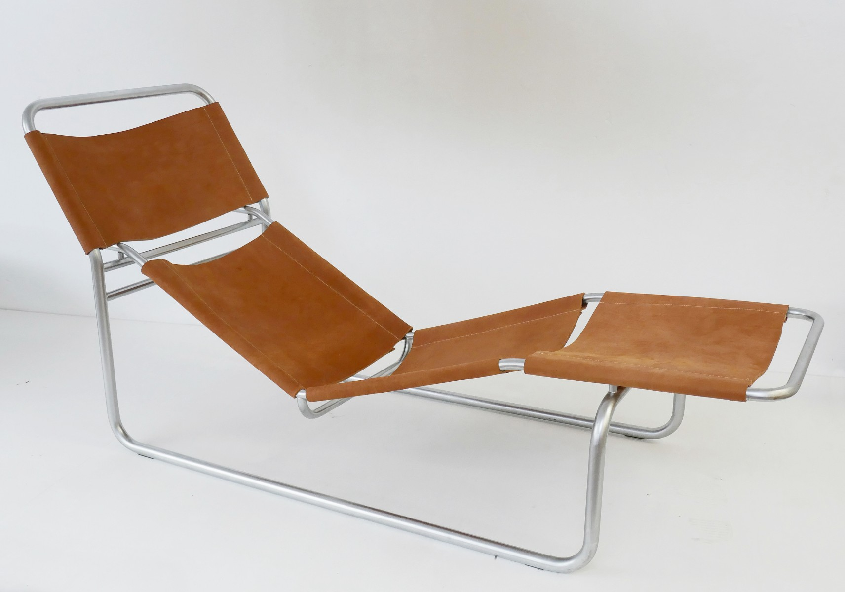 Outstanding Chrome And Leather Lounge Chair Chairs Items By Category Alphanode Cool Chair Designs And Ideas Alphanodeonline