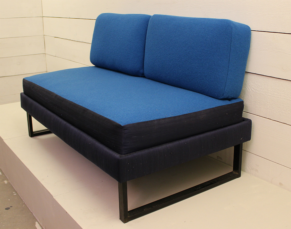 Convertible blue sofa sofa seating via antica for Sofa 75 cm tief