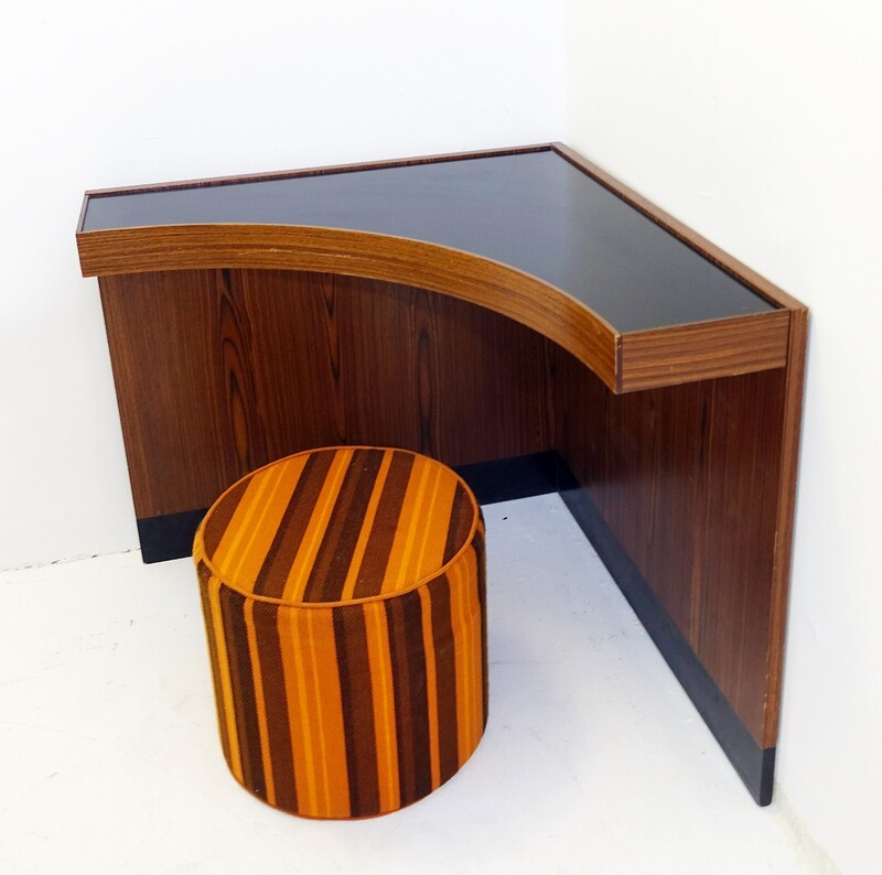 corner desk with stool