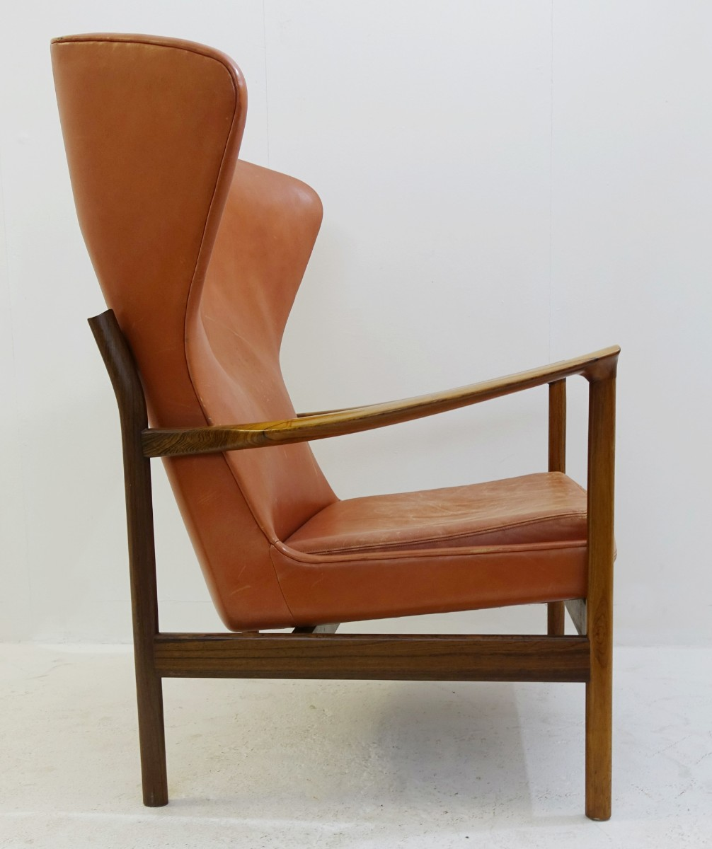 High Back Scandinavian Armchair In Rosewood And Leather Padding