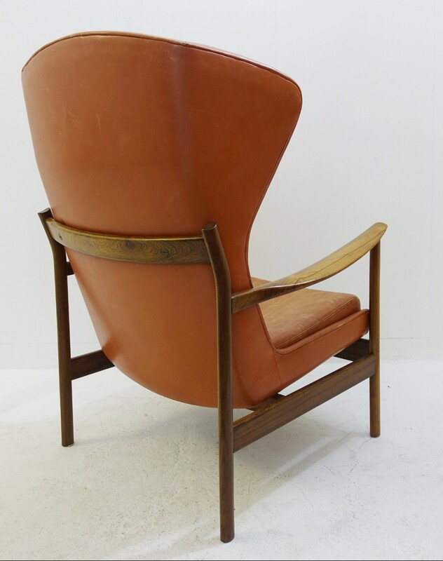 high back Scandinavian armchair in rosewood and leather - padding to replace