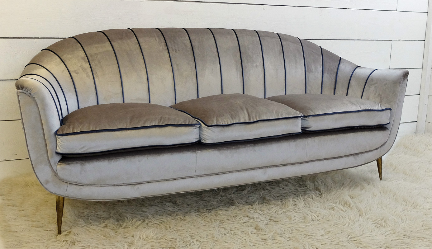 Italian Sofa Newly Upholstered C 1950 Sofa Seating Via Antica