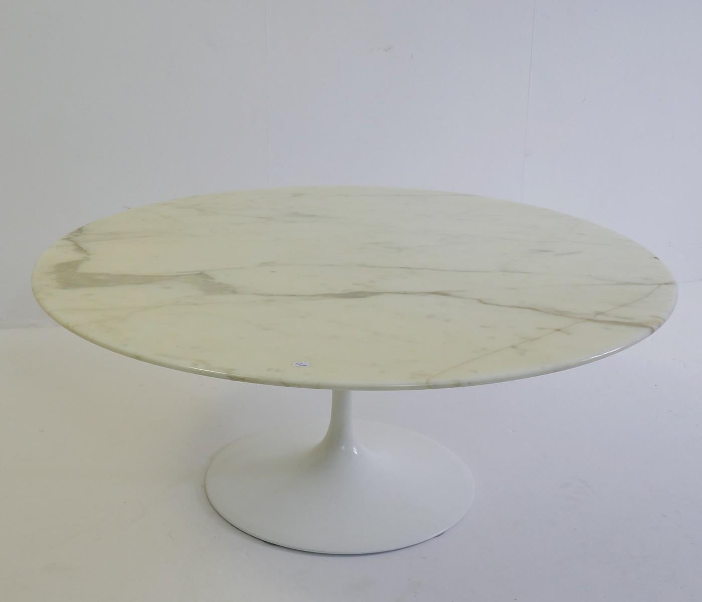 Knoll Saarinen Round Coffee Table