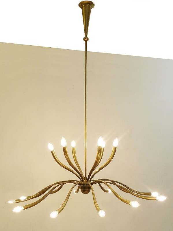 Large Italian eighteen-Light Brass Chandelier by Guglielmo Ulrich - 1950