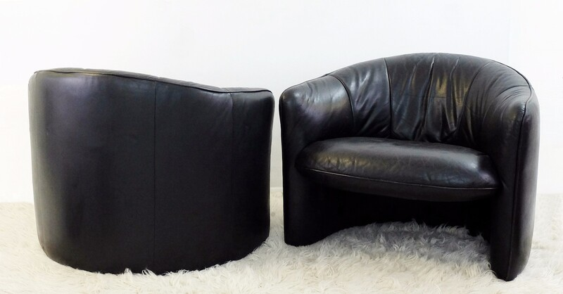 Pair of Black Leather armchairs - Swann - Lignes d'Aujourd'hui