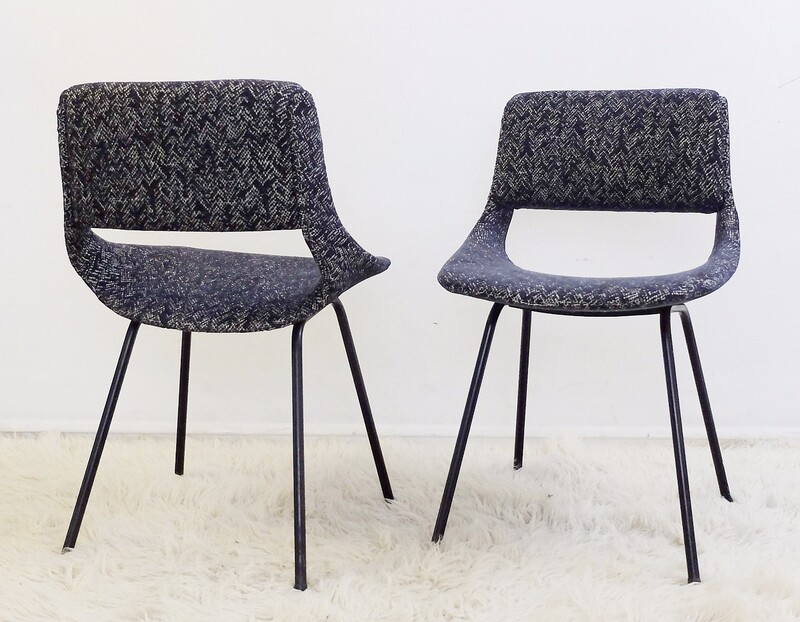 Pair of chairs by Louis Paolozzi for Zol - New Upholstered