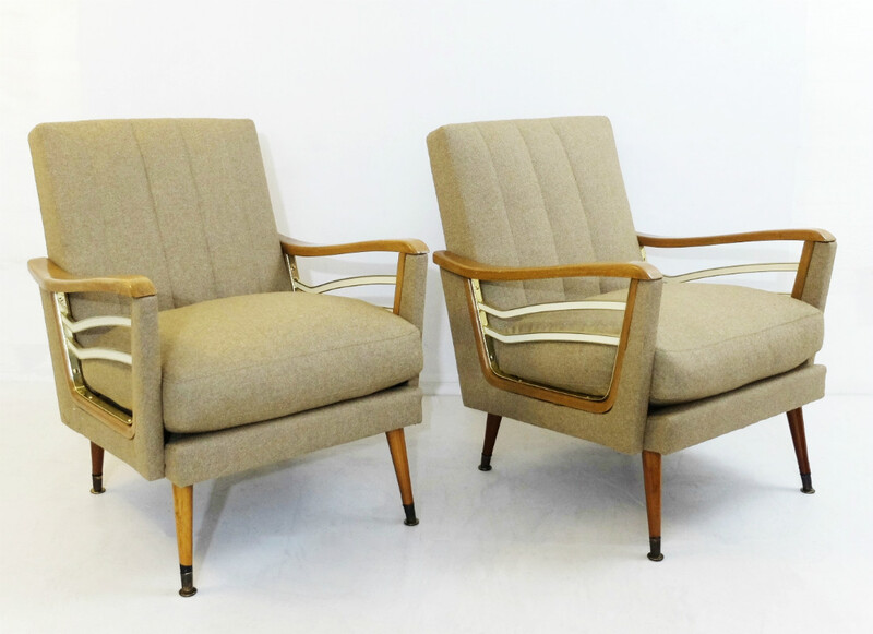 Pair of italian armchairs - New Upholstery