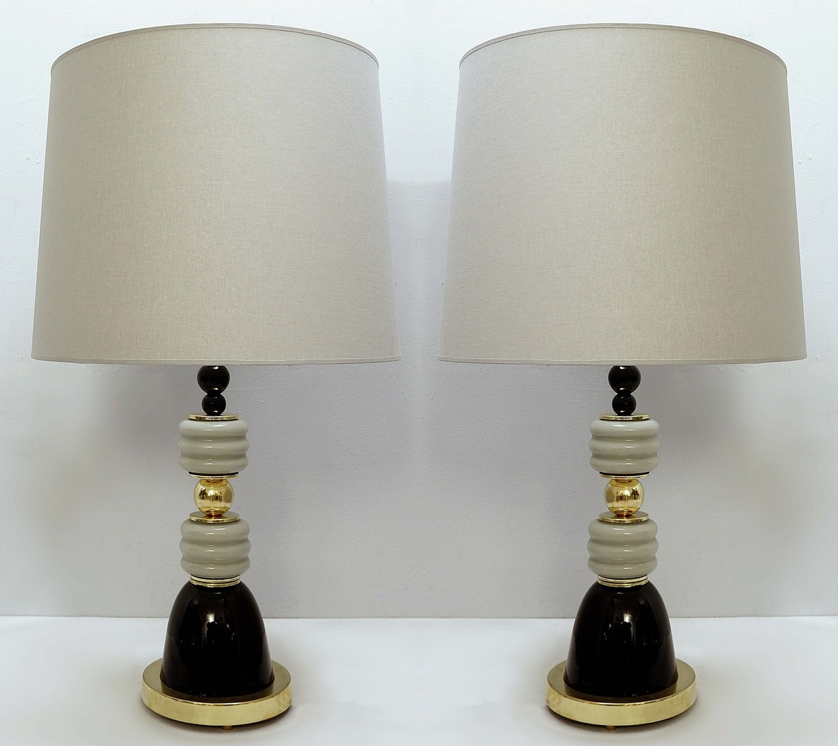 Picture of: Pair Of Italian Table Lamps In Brass And Gray Black Glass Glass Ceiling Search Results European Antiques Decorative