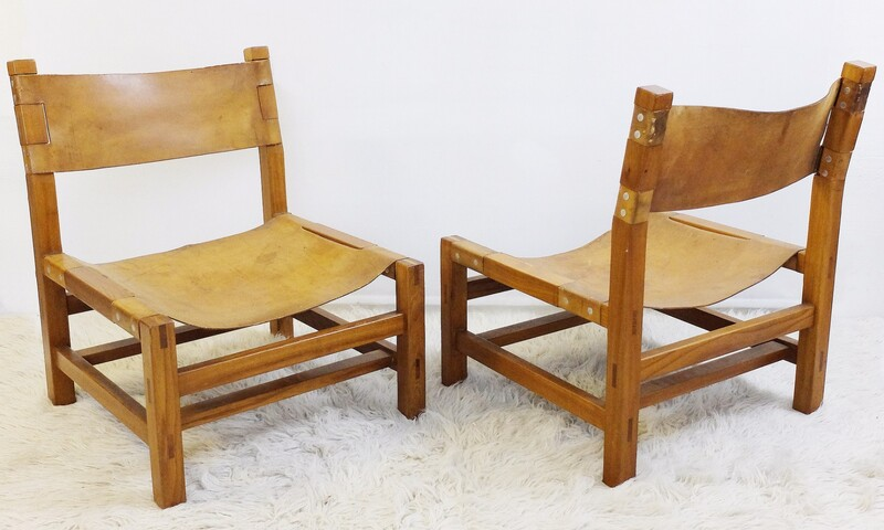Pair of Maison Regain Lounge Chairs, France, 1970s