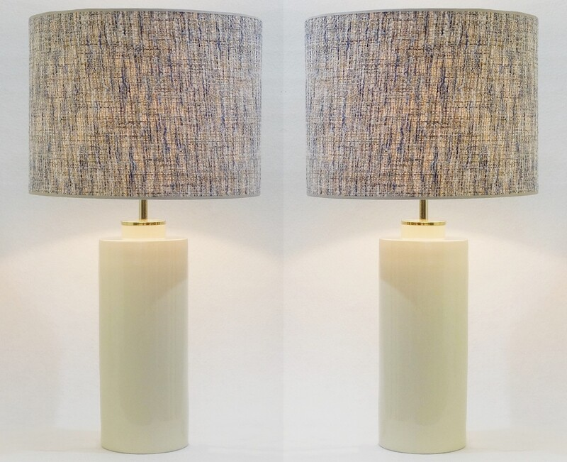 Pair of Pale Yellow Pastel Ceramic Pottery Table Lamps - Zaccagnini, Italy
