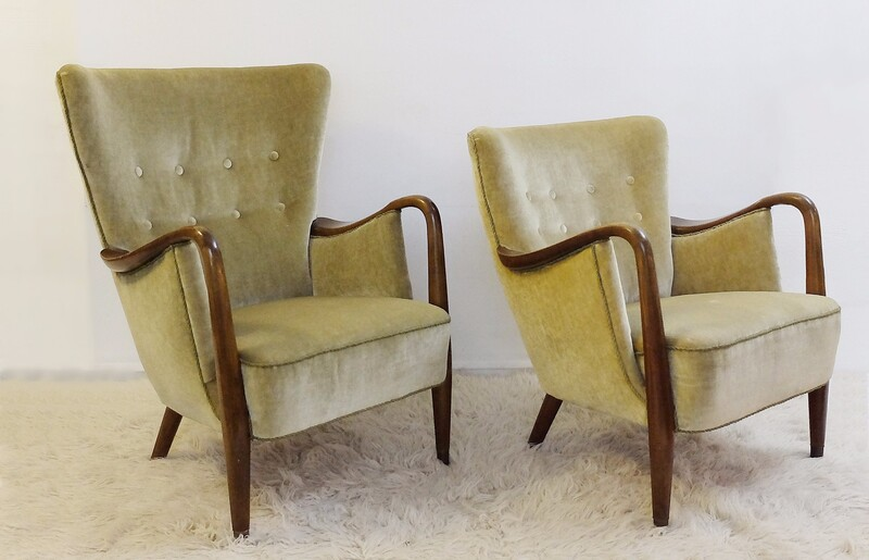 pair of slagelse møbelfabrik armchairs in the style of viggo boesen - Denmark, c. 1950