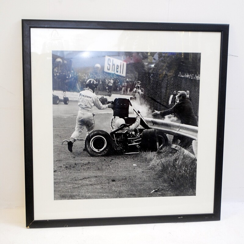 Photography of F1's crash in the 60's - with Frame