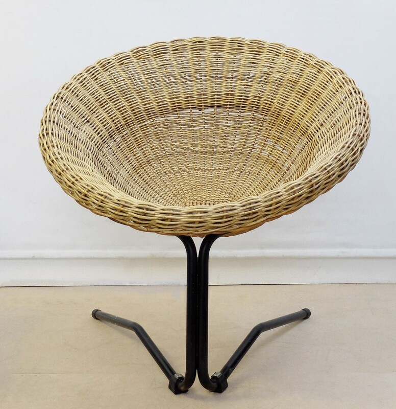 Rattan sphere armchair with black metal base