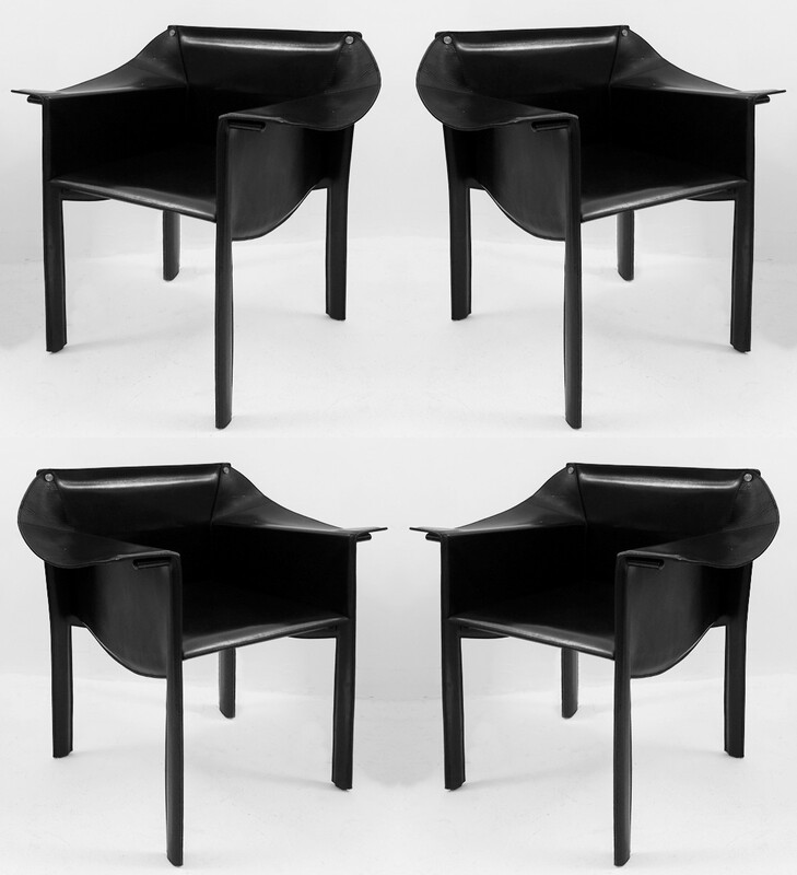 Set of 4 black Leather Chairs By Enrico Pellizzoni