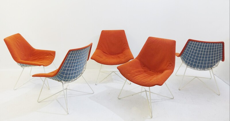 set of 5 chairs in the bertoia style