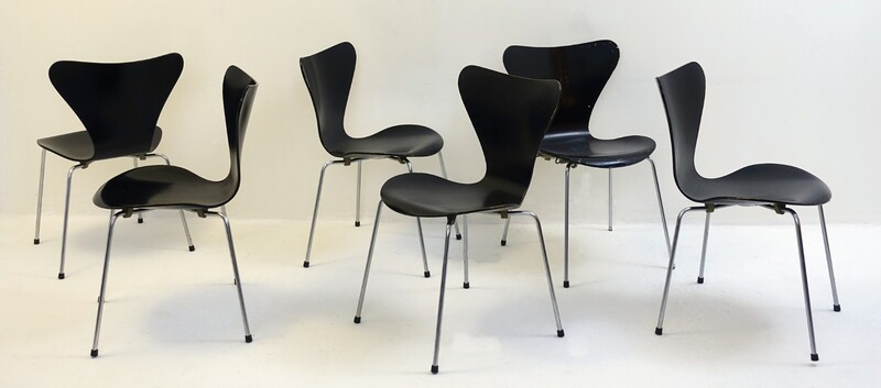 Set of 6 black Arne Jacobsen Chairs 3107 for Fritz Hansen