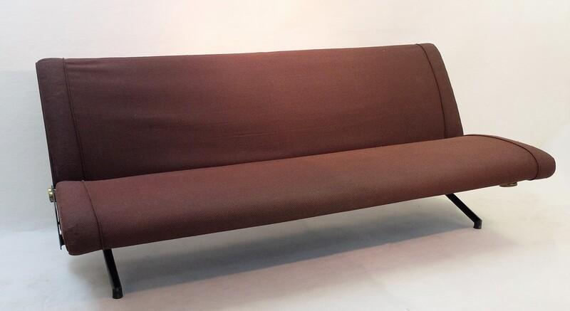 Sofa Daybed D70 Designed by Osvaldo Borsani for Tecno - original brown ribbed upholstery