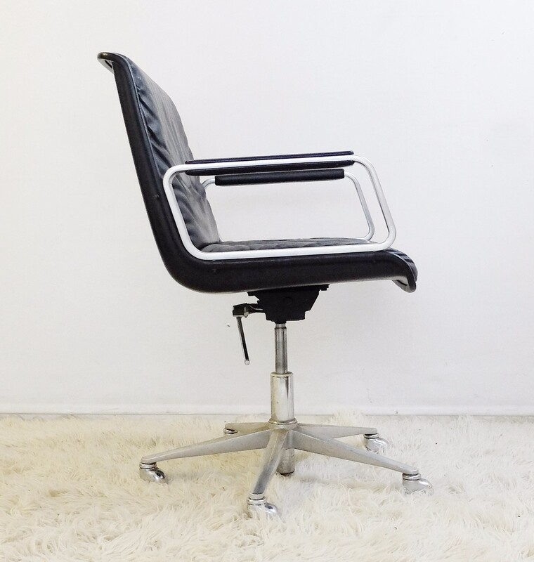 Swivel Leather Office Armchair from Wilkhahn