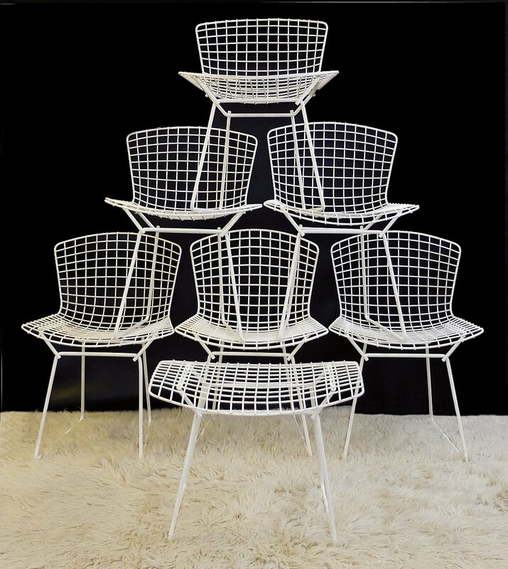 White Bertoia Mesh Side Chairs - Set of 6 + 1 ottoman