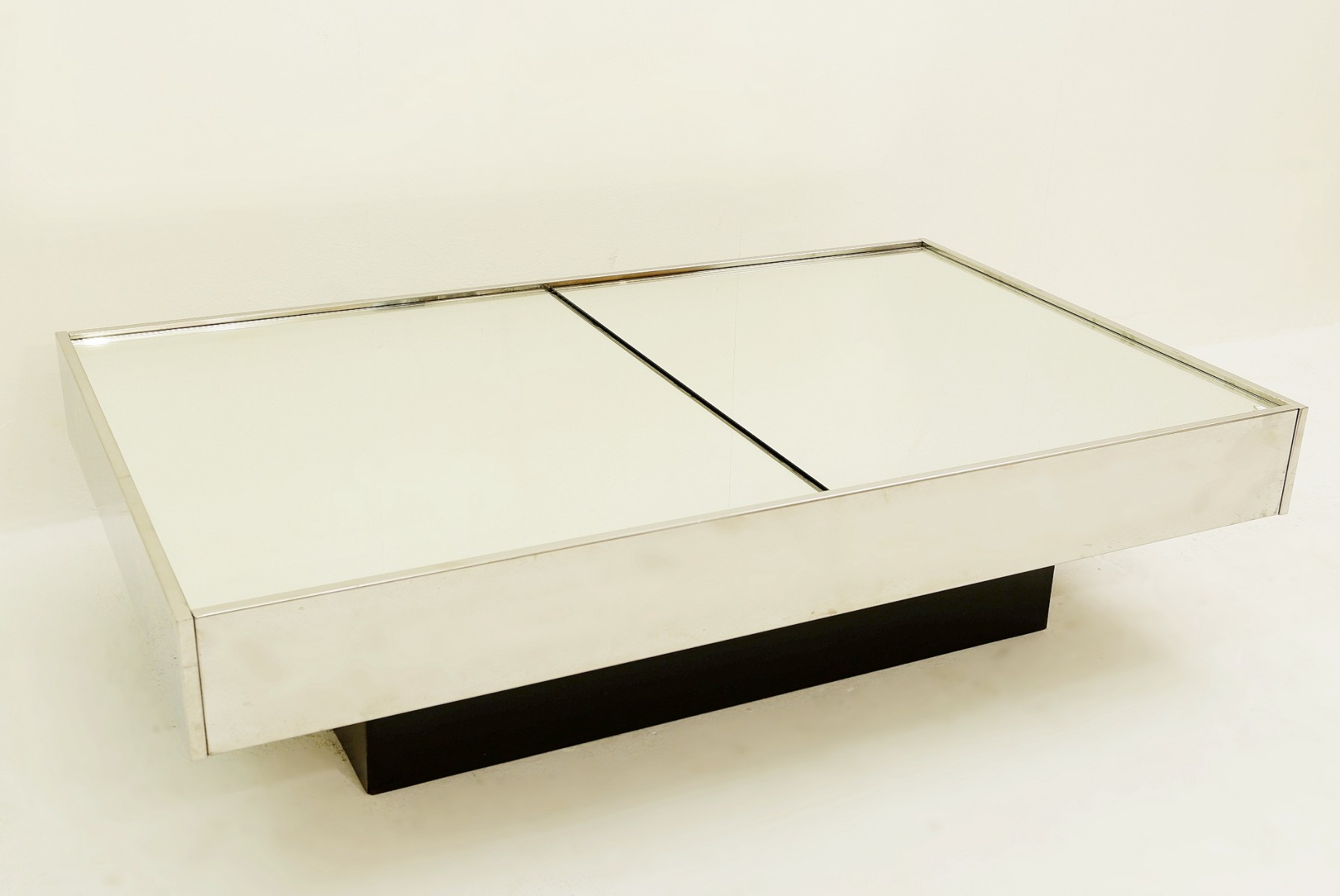 Willy Rizzo Coffee Table.Willy Rizzo Coffee Table With Dry Bar Cidue 1970 Tables Items By